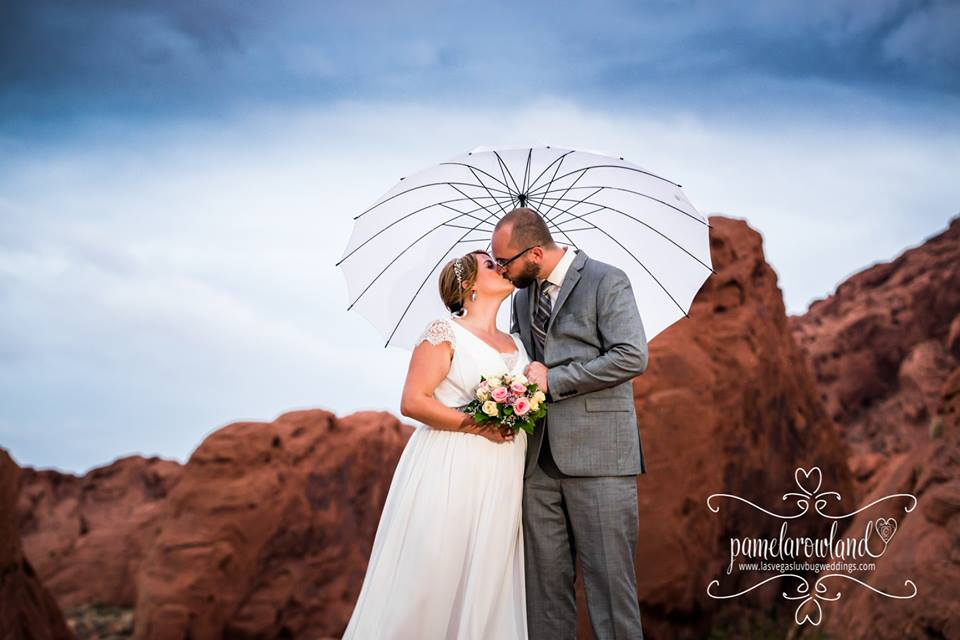 Valley of Fire Weddings Are A Favorite For Brides
