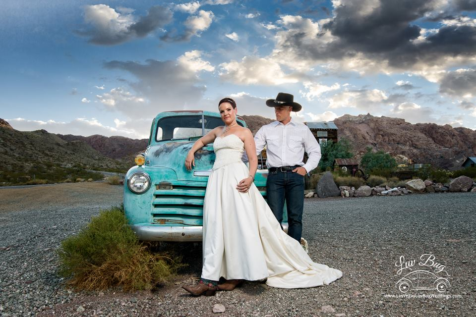 Las Vegas Nelson Ghost Town Wedding In July