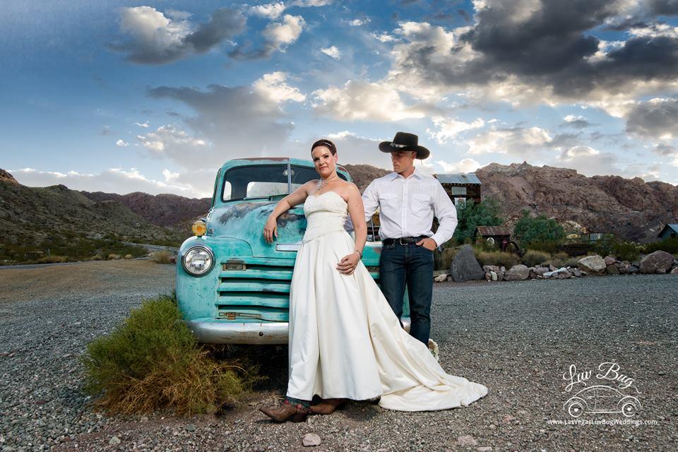 Las Vegas Nelson Ghost Town Wedding In July