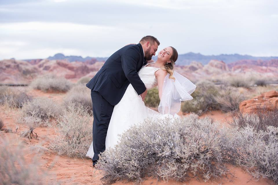 Julia & Austin's Valley of Fire Wedding